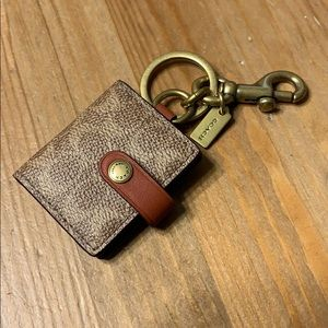 NWT Coach Keychain for pictures and keys